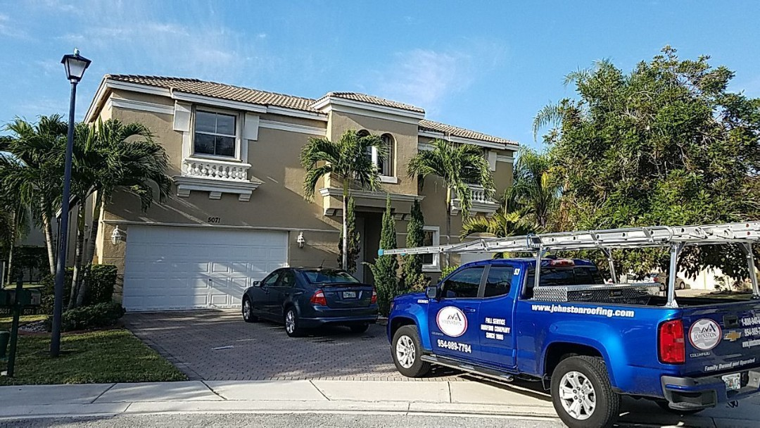 Miramar, FL - Roof cleaning and fascia repair estimate in Miramar,fl