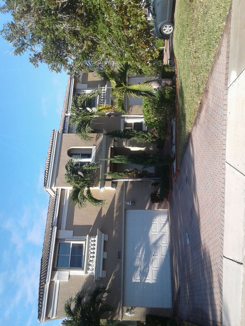 Miramar, FL - Fascia board repair in the city Miramar Florida this repair is being done by Earl W Johnston roofing company Tony and Regis audio repair technicians
