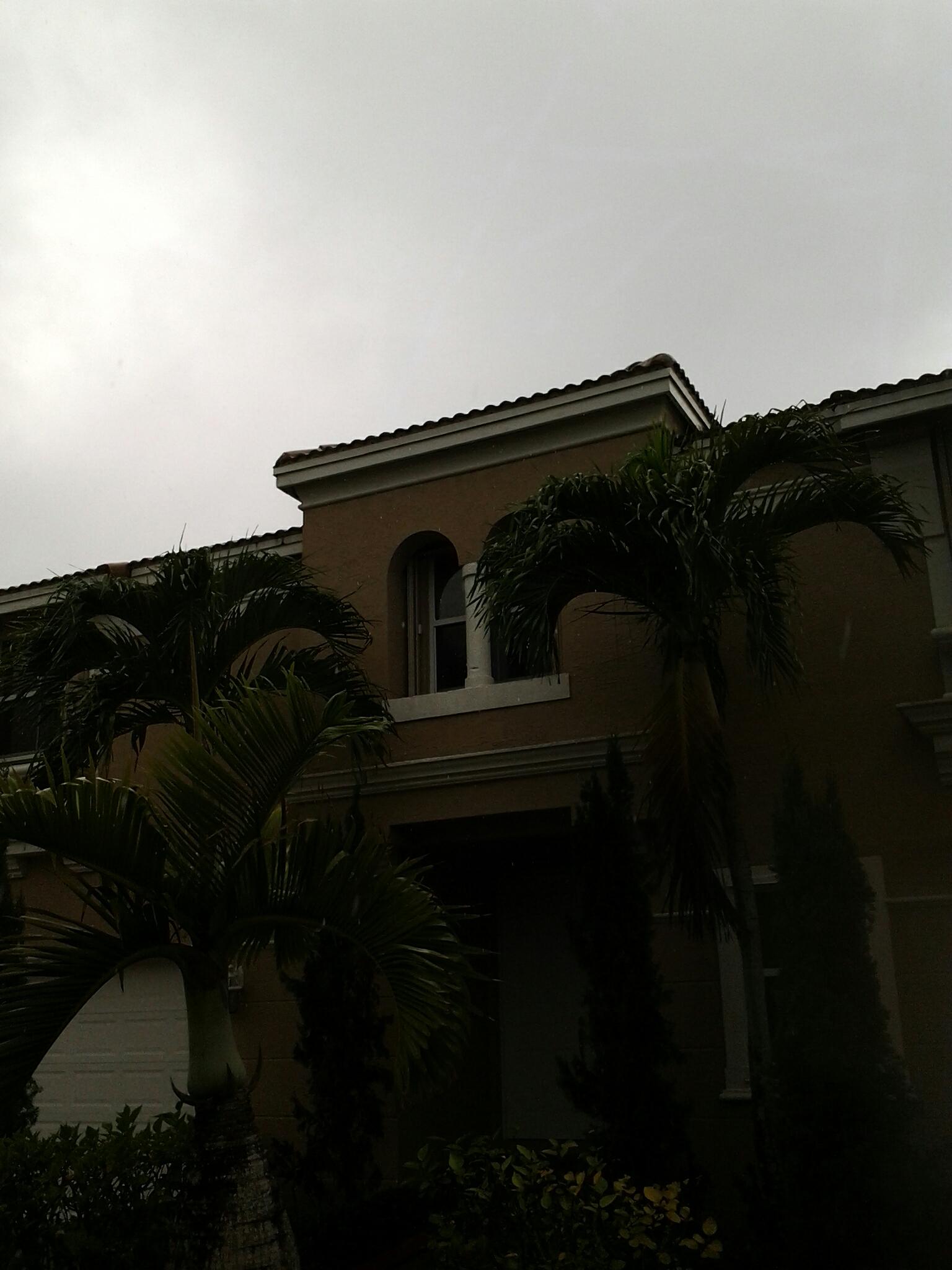 Miramar, FL - Pressure clean roof