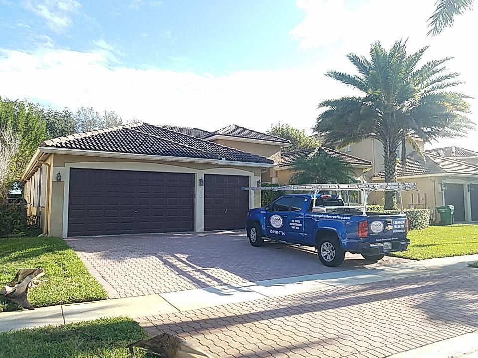 Miramar, FL - Roof cleaning and maintenance estimate in Miramar, FL