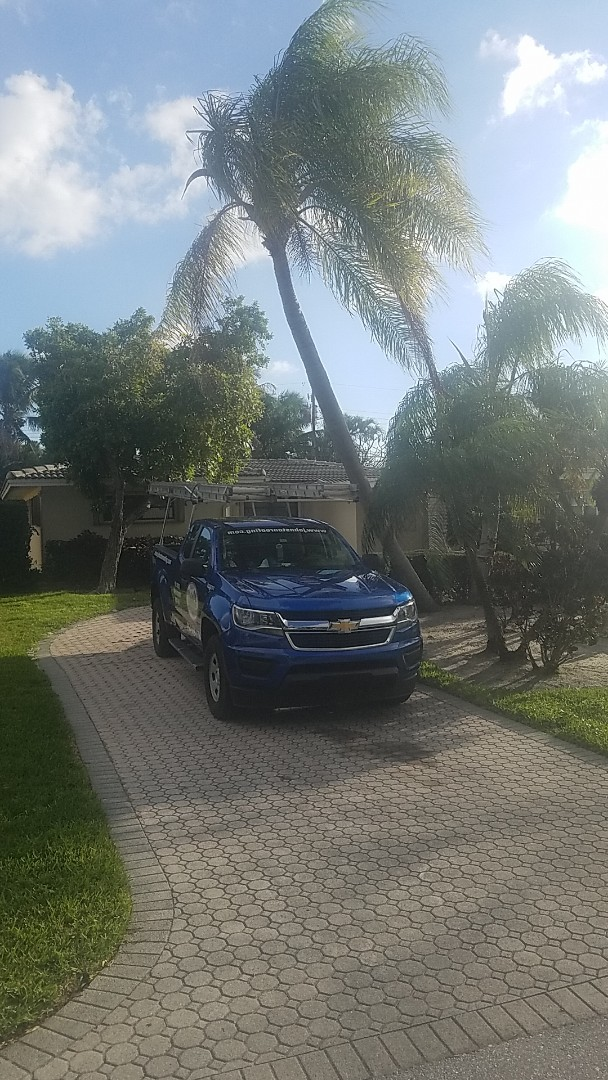 Pompano Beach, FL - Tile roof repair estimate by Earl Johnston Roofing Company