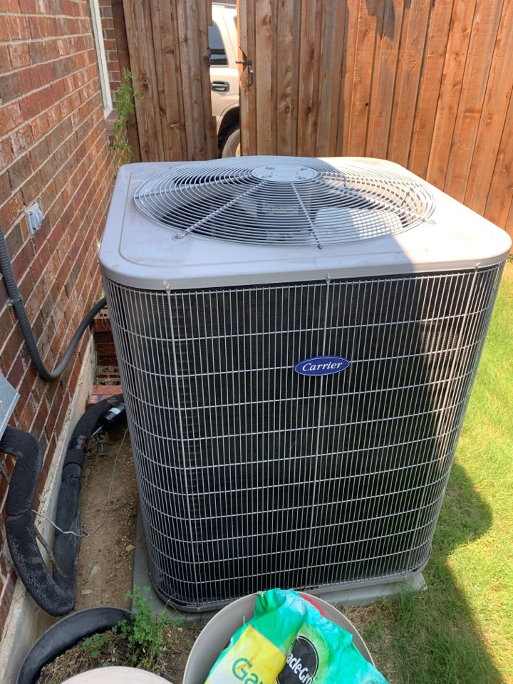 Frisco, TX - Fixing a leaking condenser in frisco Tx.
