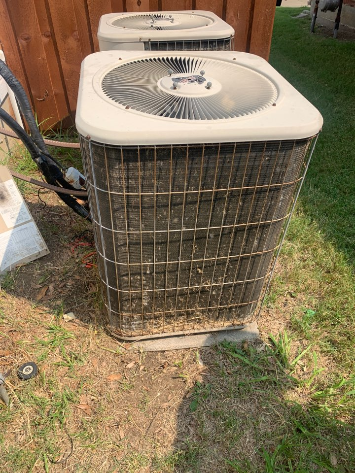 The Colony, TX - New capacitor in this old Lennox. Little elm tx