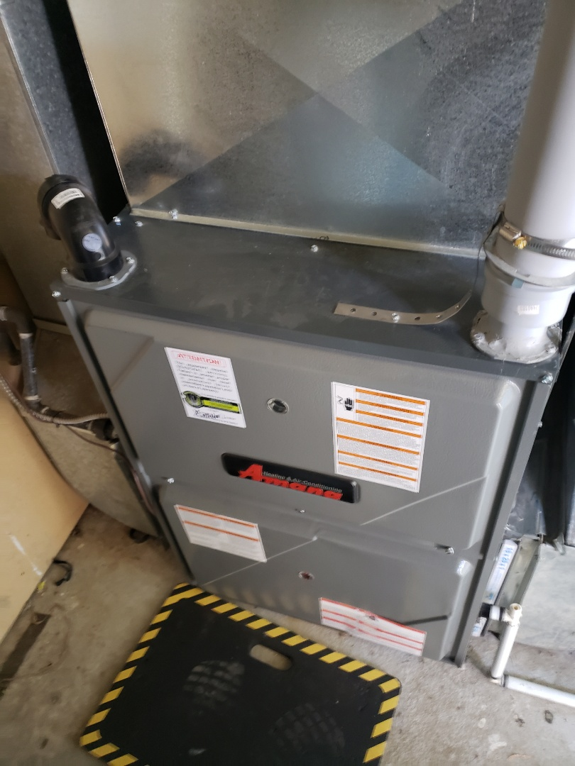Luseland, SK - Tune up on this Amana furnace