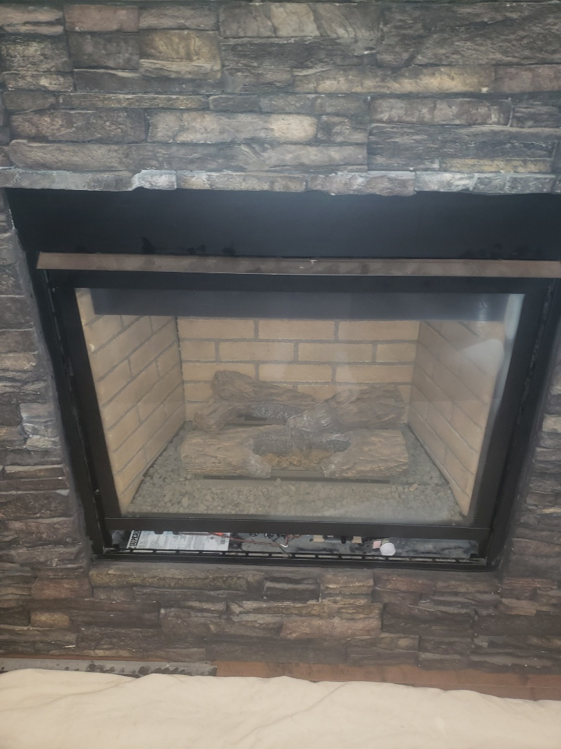 Lloydminster, SK - Just runed up this beautiful fireplace and replaced the thermostat.
