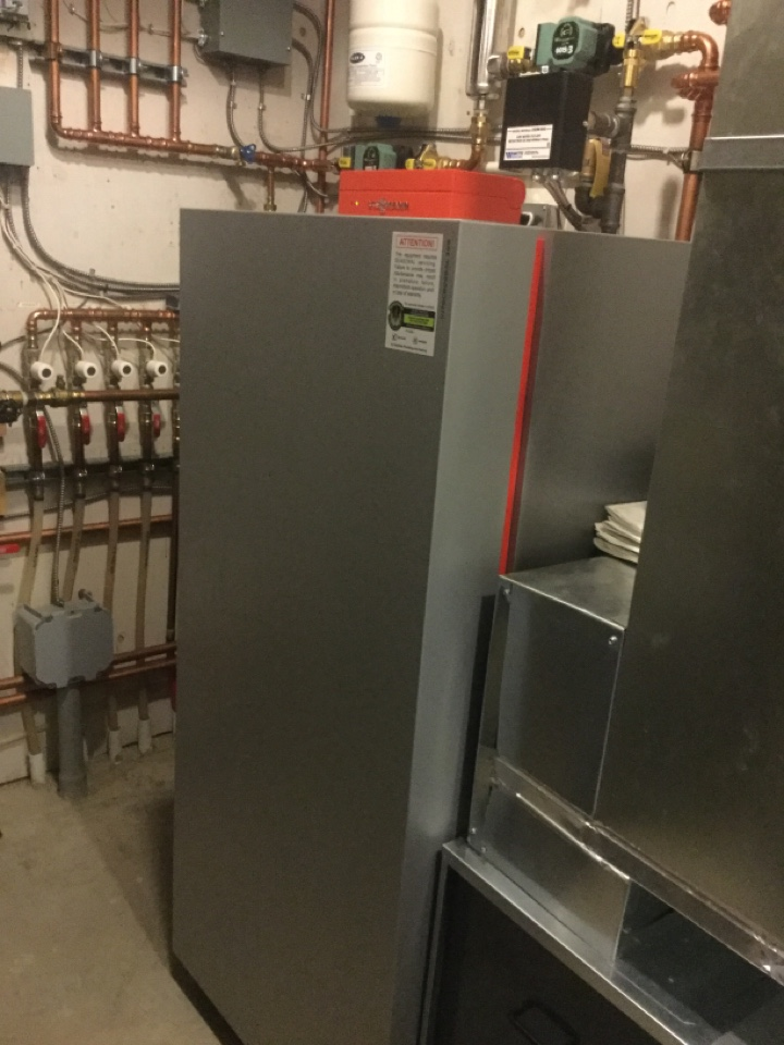 Paradise Valley, AB - System rejuvenation on Vitocrossal boiler and HiVelocity unit.