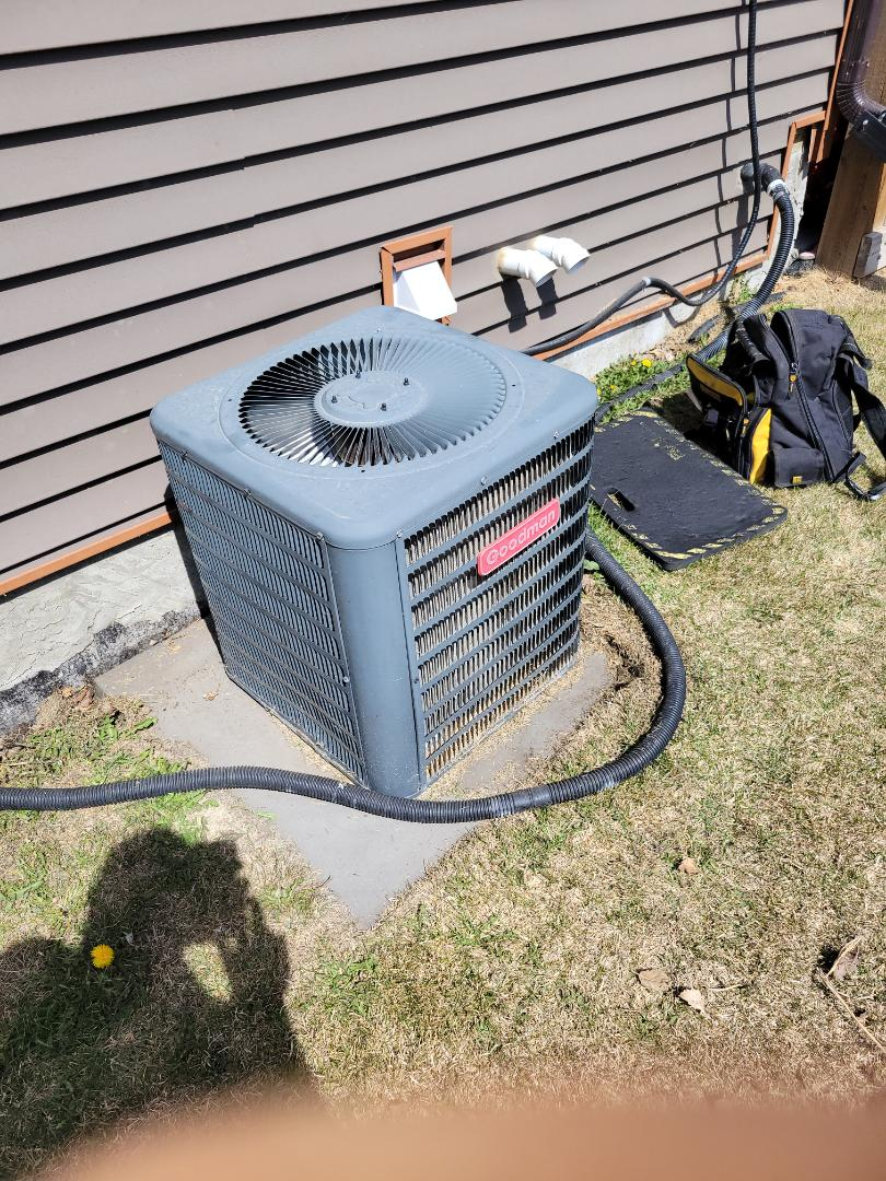 Maidstone, SK - Just found the issue on this ac as to why it wasn't turning on.  Found a broken wire.