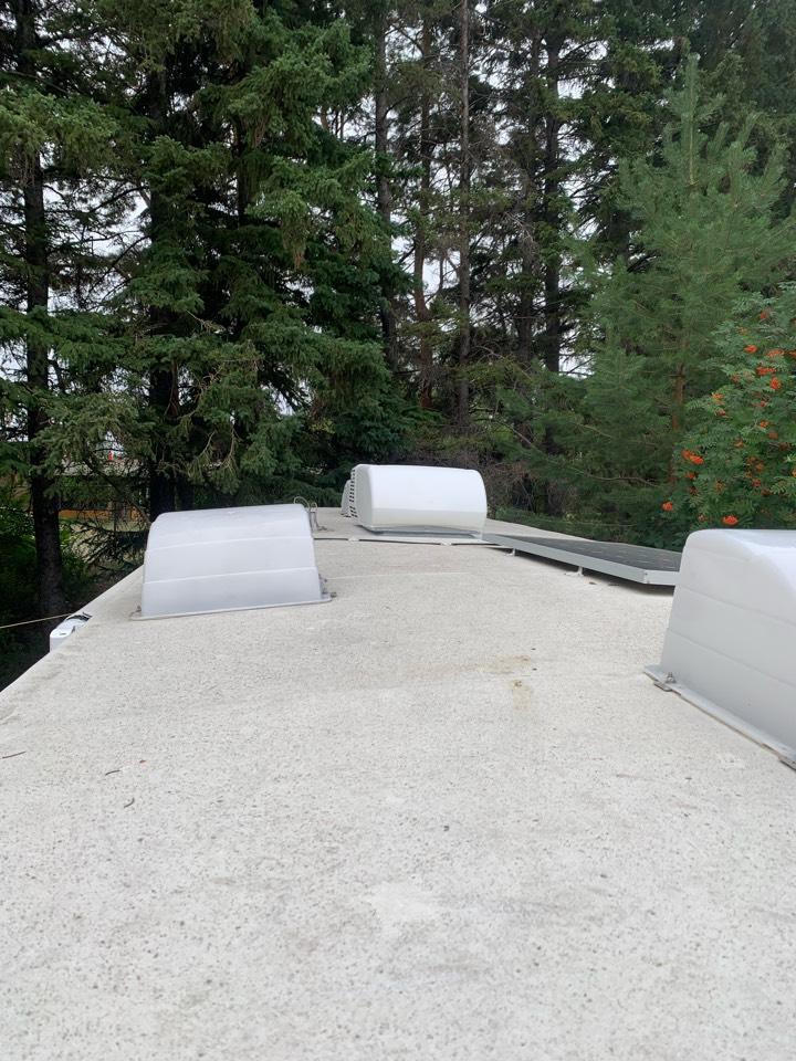 Lloydminster, SK - Install camper trailer air conditioner