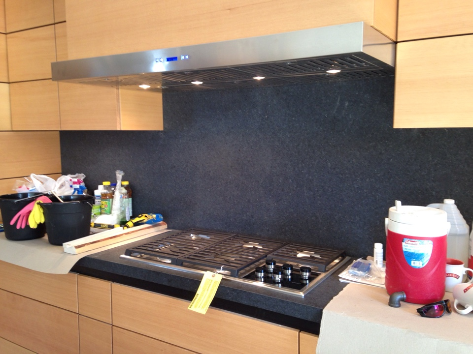Honeywood, ON - Cook top and range hood installation