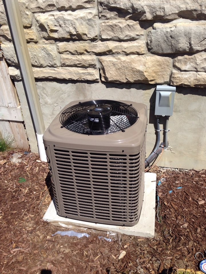 Clarksburg, ON - Ac installation