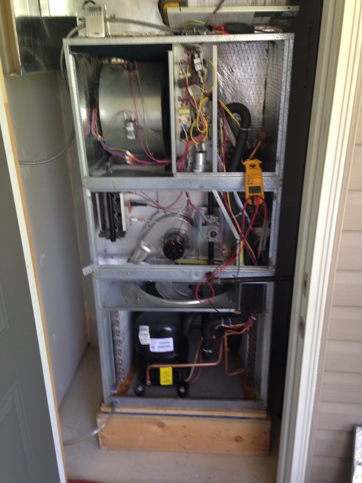 Clarksburg, ON - Furnace air conditioner installation maintenance repair emergency