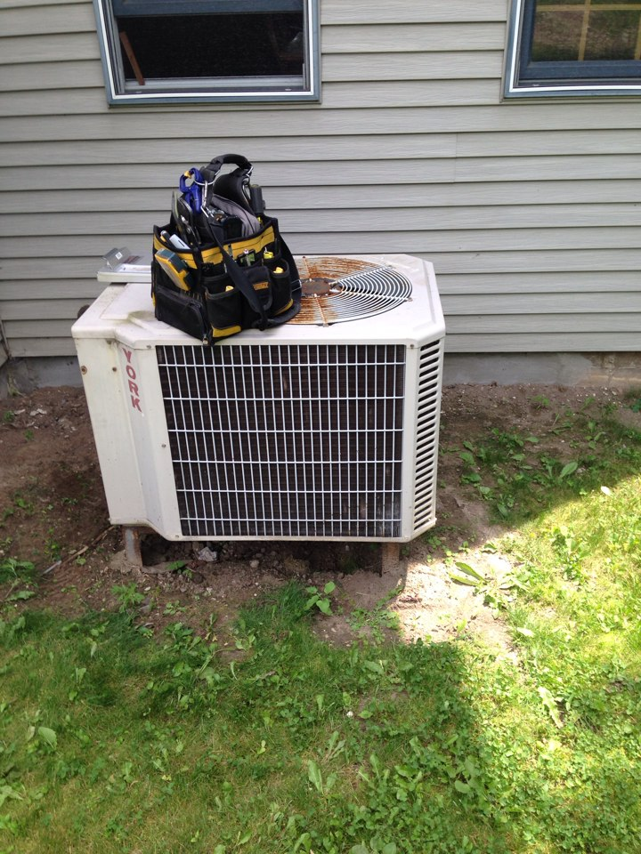 Creemore, ON - 30 years later York air conditioner still works well with yearly maintenance!