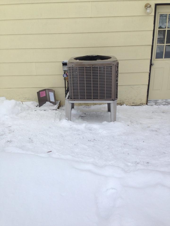 Wasaga Beach, ON - York heat pump installation
