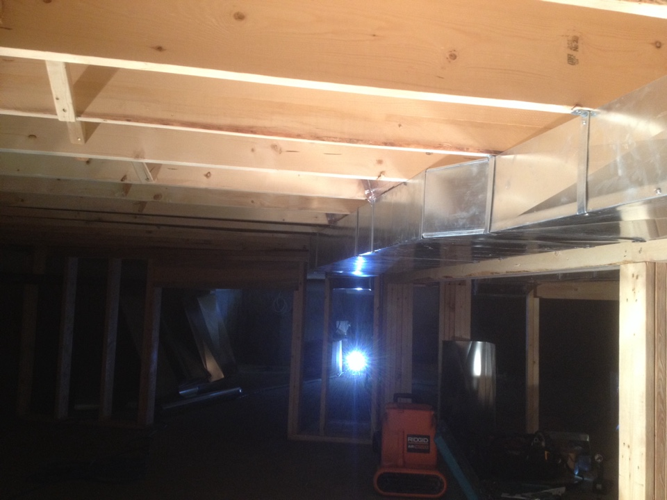 Shanty Bay, ON - Crawl space ductwork
