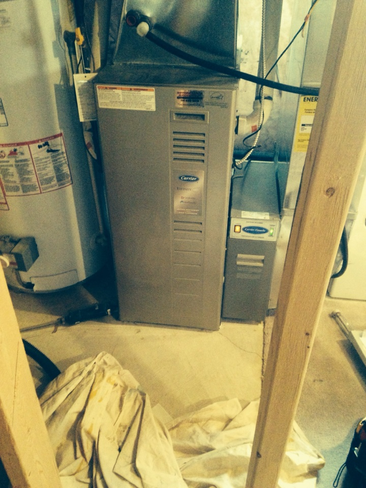 Wasaga Beach, ON - Carrier furnace maintenance and tune up.