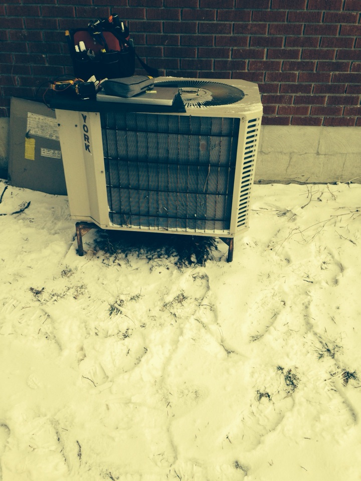 Stayner, ON - Heat pump heater maintenance and tune up and repairs.