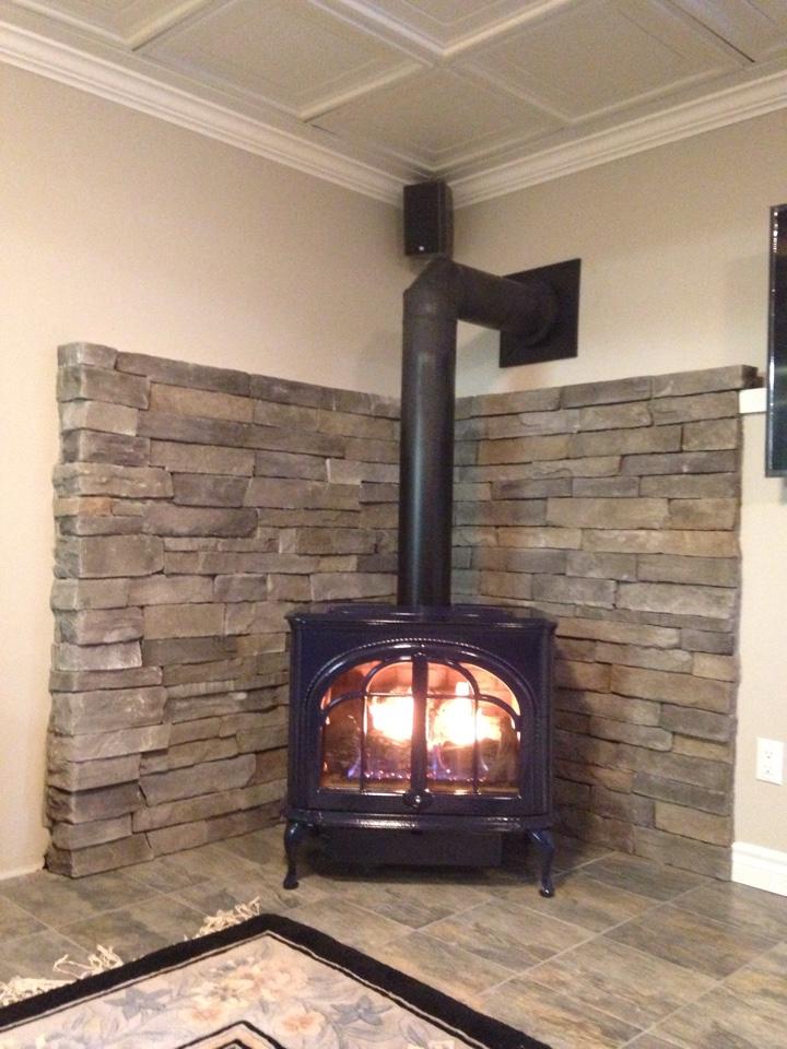 Collingwood, ON - Lennox Serefina direct vent gas fireplace installation