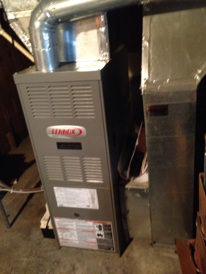 Collingwood, ON - Lennox natural gas furnace and York air conditioner, maintenance and service.