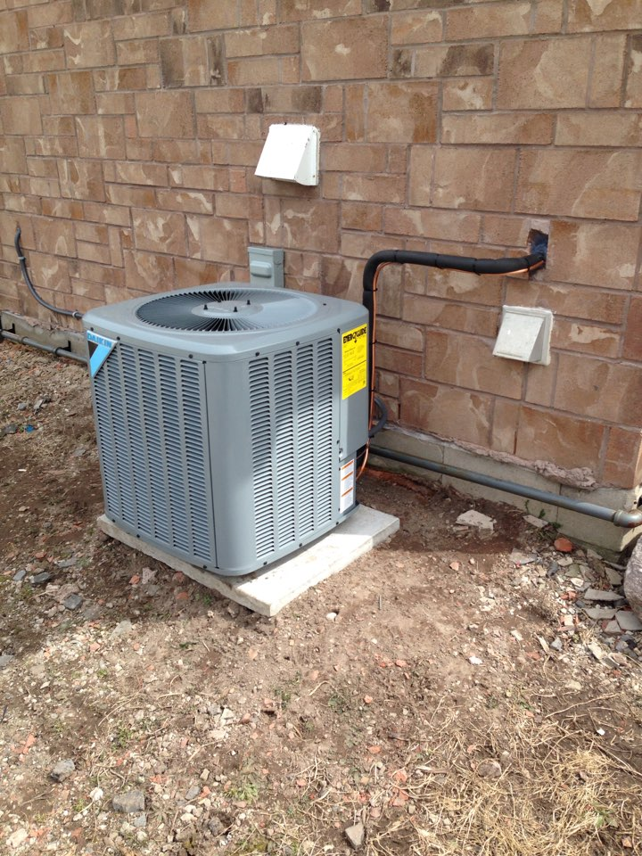 Stayner, ON - Daikin air conditioner installation with new refrigerant lines