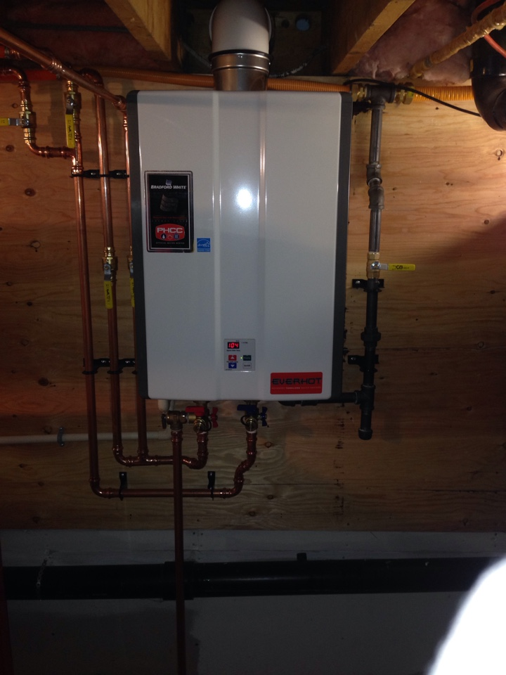 Wasaga Beach, ON - Bradford white gas tankless hot water heater installation