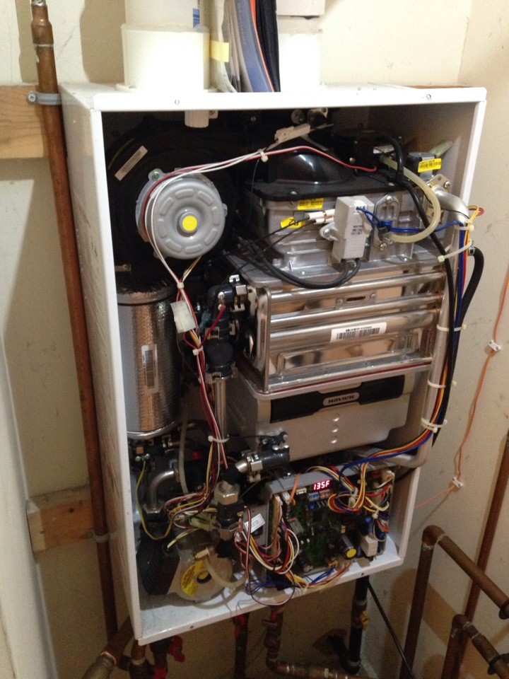 Collingwood, ON - navien gas tankless water heater no hot water