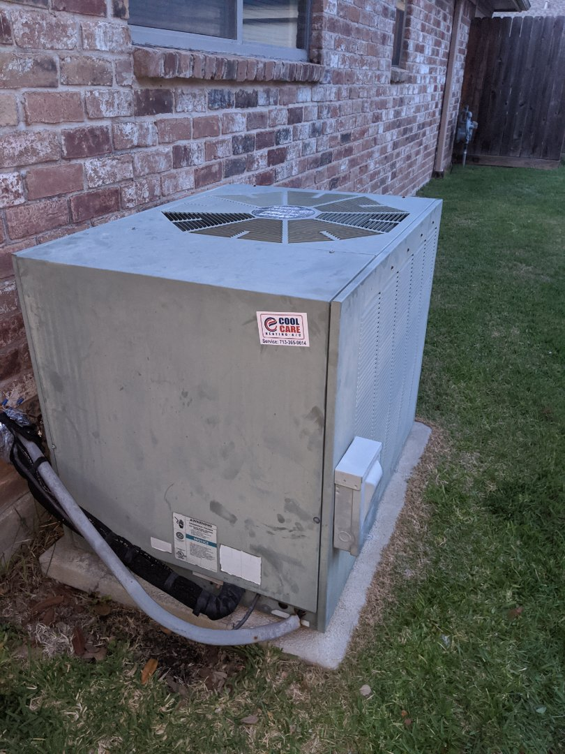 Houston, TX - Diagnosed no cooling service call. Replaced transformer and capacitor in Spring Branch.