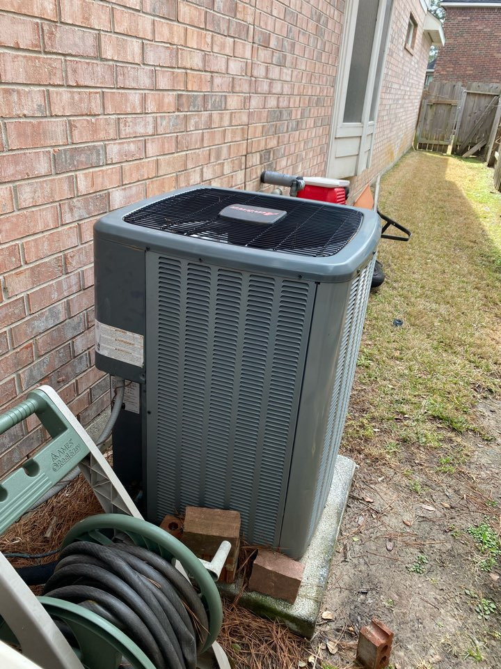 Cypress, TX - Completed a diagnostic check on a Amana Condenser in Cypress, TX