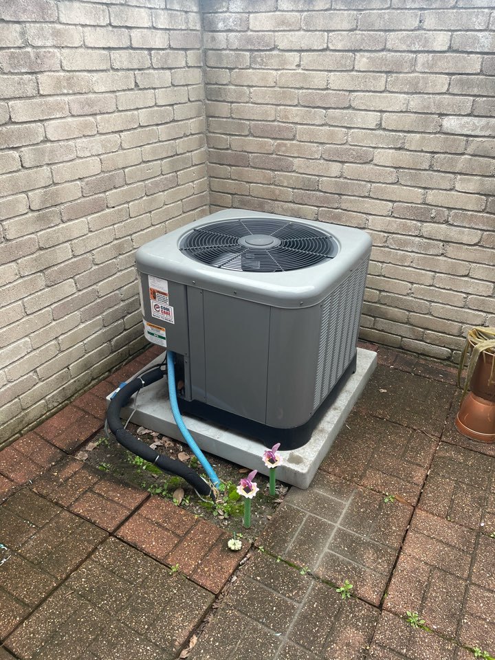 Houston, TX - Completed no cooling diagnostic on Rheem equipment in Windchase