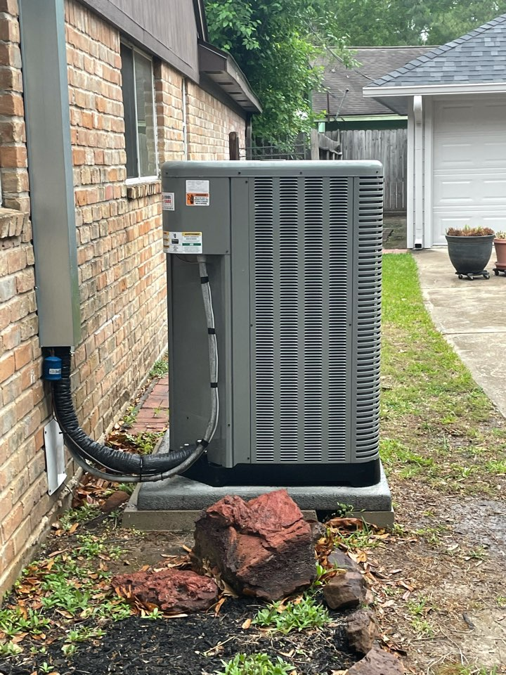 Houston, TX - Completed repair and preventative maintenance on Ruud system in Spring Shadow