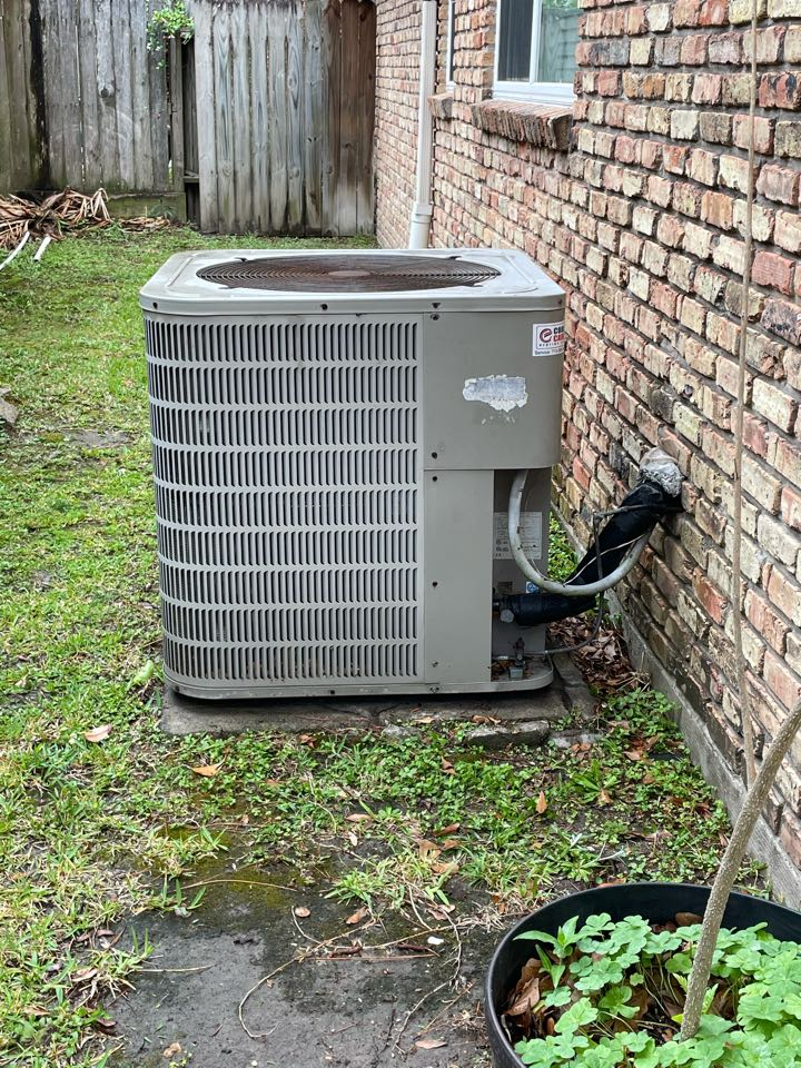 Houston, TX - Complete spring preventative maintenance on Goodman system in Spring Shadow
