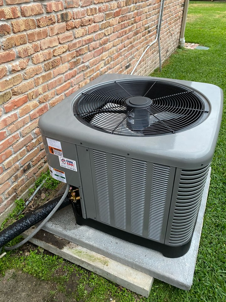 Houston, TX - Installed a 2.5 ton Ruud electric air handler and condenser in Houston, TX