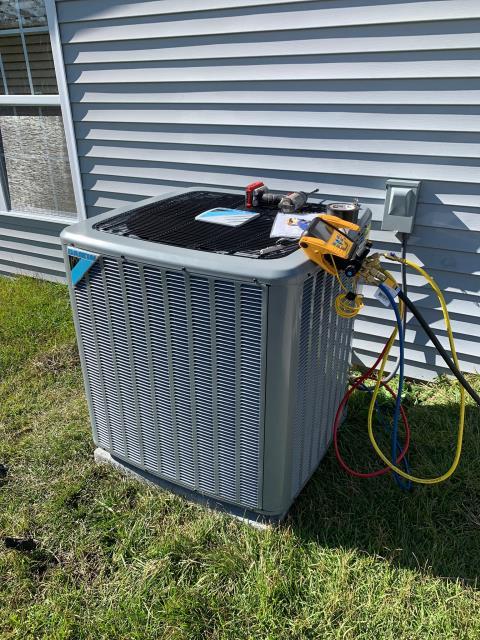 Greenville, NC - Furnish and install new 2 Ton 16 SEER Daikin Heat Pump System