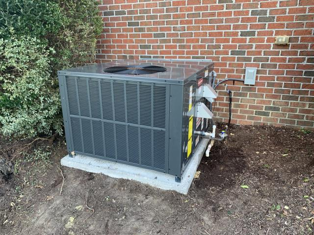 Winterville, NC - Furnish and install new 3 ton 14 seer Goodman Gas Package System