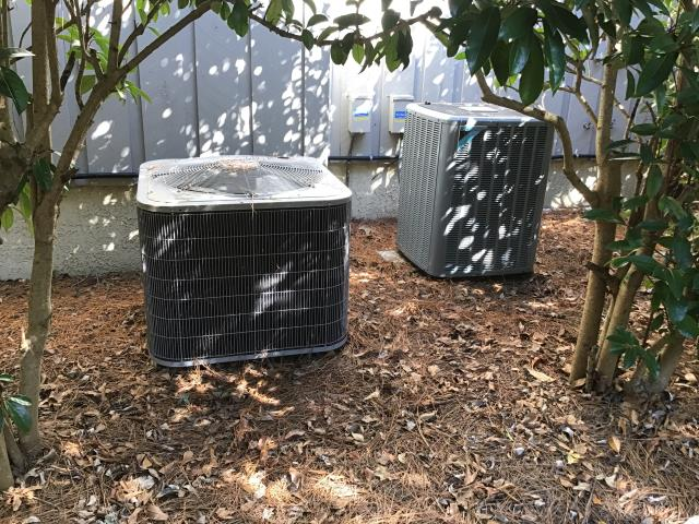New Bern, NC - Performed preventative maintenance on 4 ton 14 seer Daikin heat pump system and 2 ton 15 seer Carrier heat pump system
