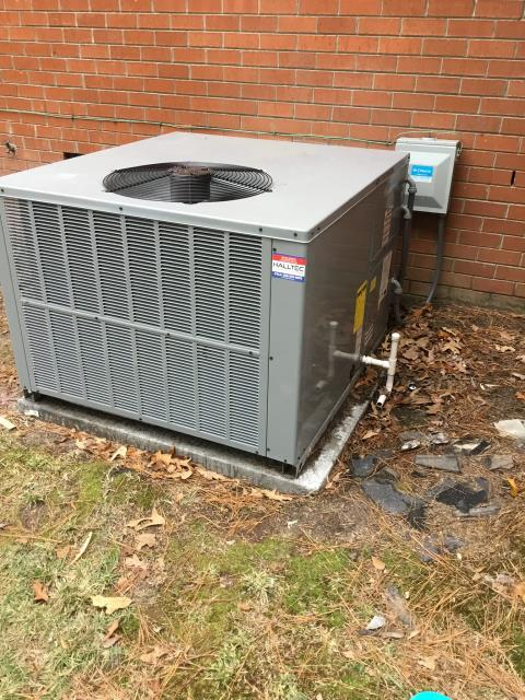 Grimesland, NC - Performed preventative maintenance on Daikin package heat pump system
