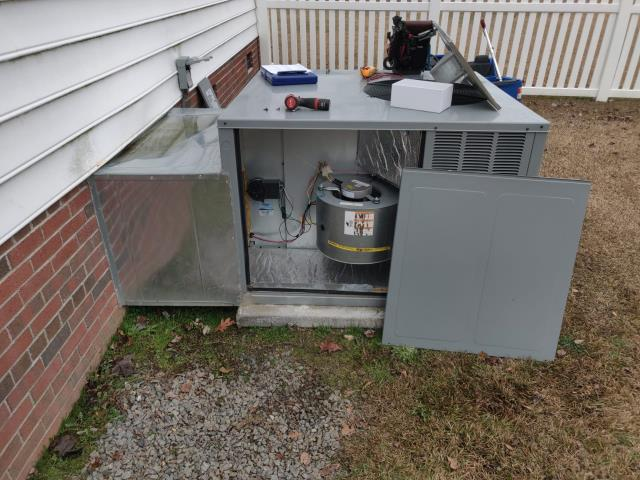 Winterville, NC - Installed I-Wave Air Purifier and performed preventive maintenance on system
