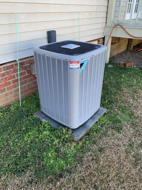 Winterville, NC - Performed preventative maintenance on Daikin split system.