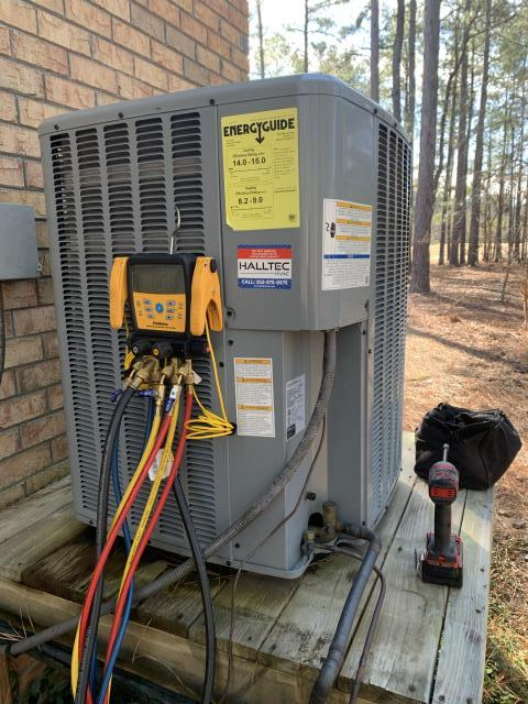 New Bern, NC - Performed preventive maintenance on Daikin split system heat pump