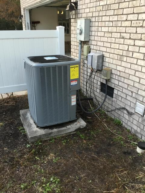 New Bern, NC - Performed preventive maintenance on Daikin split system A/C with Furnace
