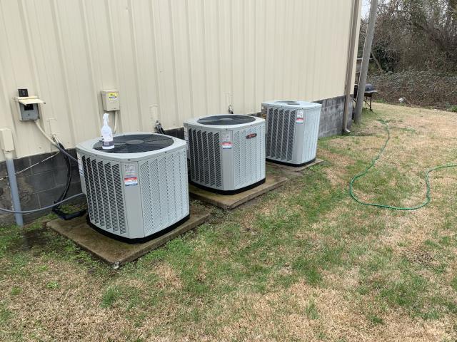 Greenville, NC - Preventive maintenance on 3 Trane split system heat pumps
