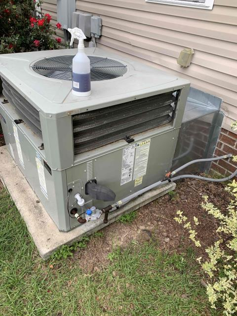 Greenville, NC - Performed preventive maintenance on a Trane  gas pac and a split system heat pump