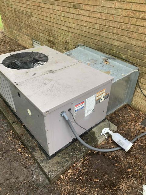 Greenville, NC - Performed preventive maintenance on a Payne package unit