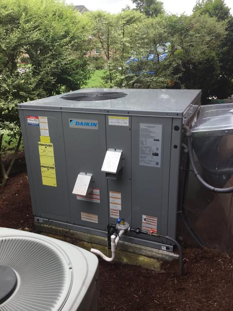 Greenville, NC - Performed a Preventive Maintenance on a Daikin Package Heat pump