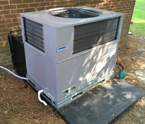 Grifton, NC - Minor repairs on a Tempstar pkg heat pump