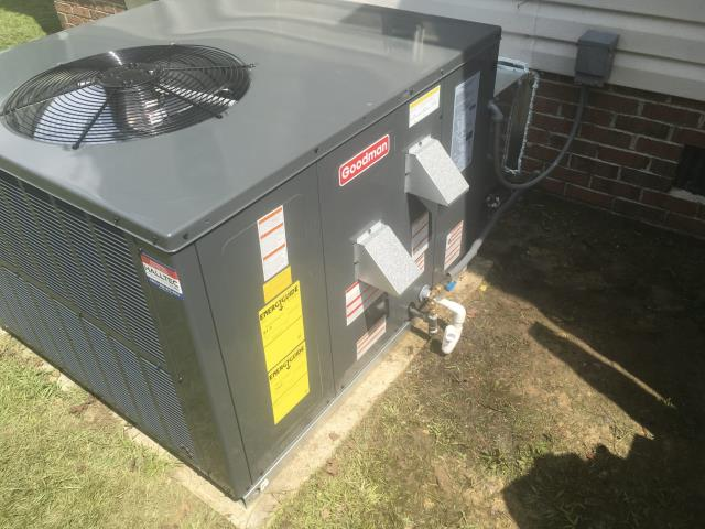 Greenville, NC - Furnish and install Goodman 2.5 Ton 14 Seer Gas Package System. Also installed new Honeywell 5000 thermostat for upstairs and downstairs systems.
