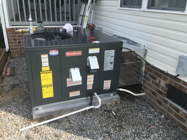 Grimesland, NC - Installed 2.5 Ton 14 Seer Goodman gas package system and Daikin ductless system with 4 ports and one air handler.