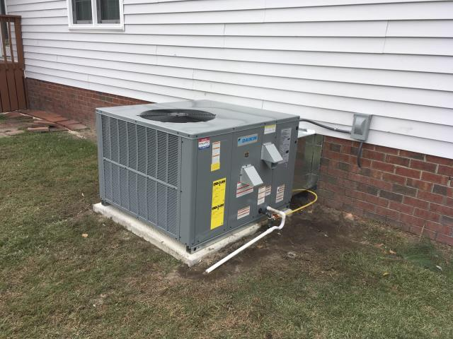 Grifton, NC - Installed a 3 Ton 14 Seer Daikin Duel Fuel Gas Package System.