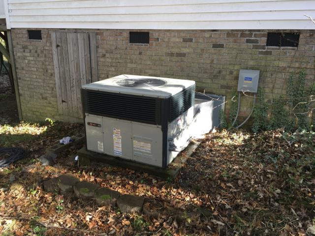 Greenville, NC - Performed preventative maintenance on Trane Package system. Also installed a new dual capacitor.