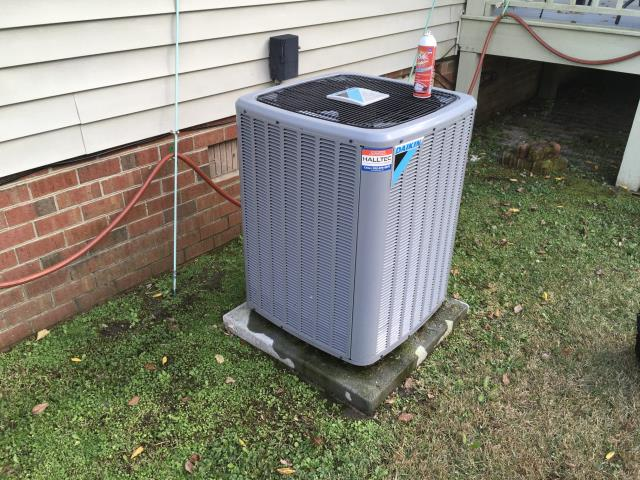 Winterville, NC - Performed preventative maintenance on Daikin system.
