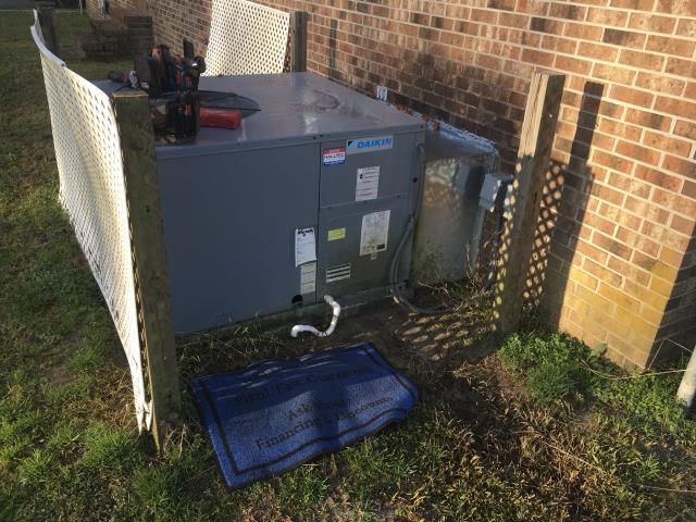 Chocowinity, NC - Performed preventative maintenance on Daikin Package Heat Pump System.